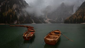 Pragser boats