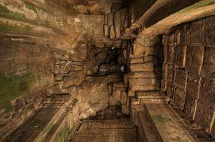 Angkor Thom – inside looking up