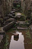 Bakong temple – partial collapse