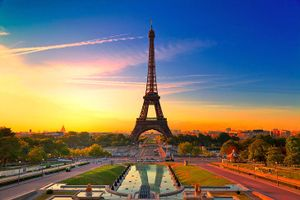 France-in-pictures-beautiful-places-to-photograph-eiffel-tower