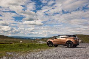 Range Rover Evoque in Brecon Beacons