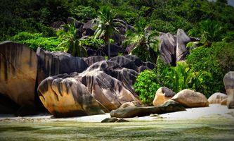 Seychelles-Rock-Vacations-La-Digue-Paradise-4957832
