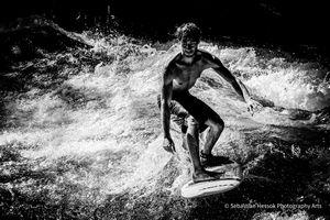 City Surfer (Eisbach Munich)