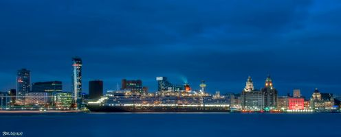 Liverpool Waterfront  and the Queen Elizabeth