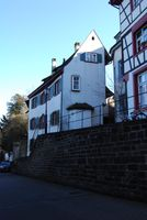 The crooked house…