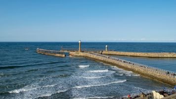 Whitby Harbour Wall / Pier