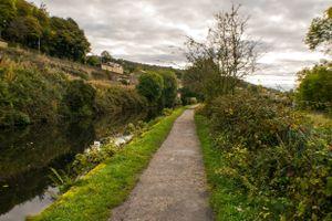 Calder & Hebble Navigation Canal between Bridges 3 and 4.