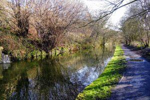 The Calder & Hebble Navigation between Bridges 4 and 5