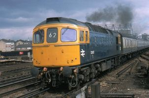 33007 passing Clapham Junc 27mar78 - Nick Darsley