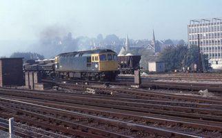 33021 @ Redhill on Woking to Tonbridge ballast 14oct78 - John Atkinson