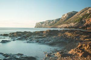Dawn-rotes-beach