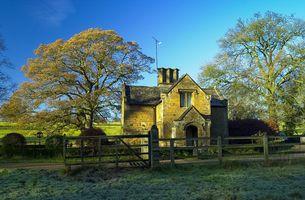The Gatehouse, Broughton Castle, Banbury, Oxfordshire