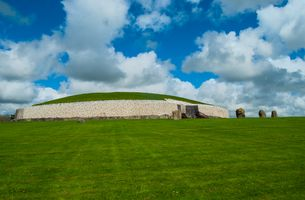 Newgrange Neolithic Passage Tomb, Boyne Valley, Ireland