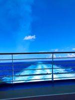 Sea-boat-sky-blue