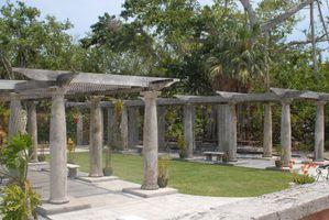 Vizcaya Columns