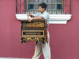 Antigua Street Music