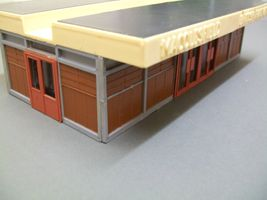 1960's 1:87 HO scale Macclesfield plastic station building, made by Playcraft