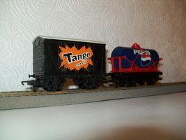 Hornby OO gauge wagons, advertising Tango & Pepsi