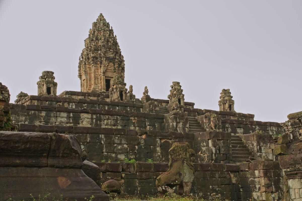 Bakong – Khmer temple near Siem Reap