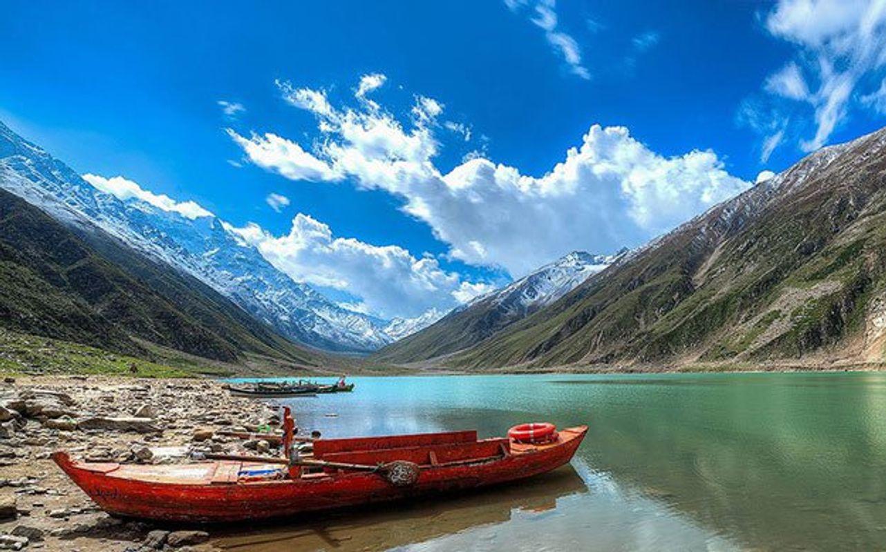 Lake-Saif-ul-Mulook