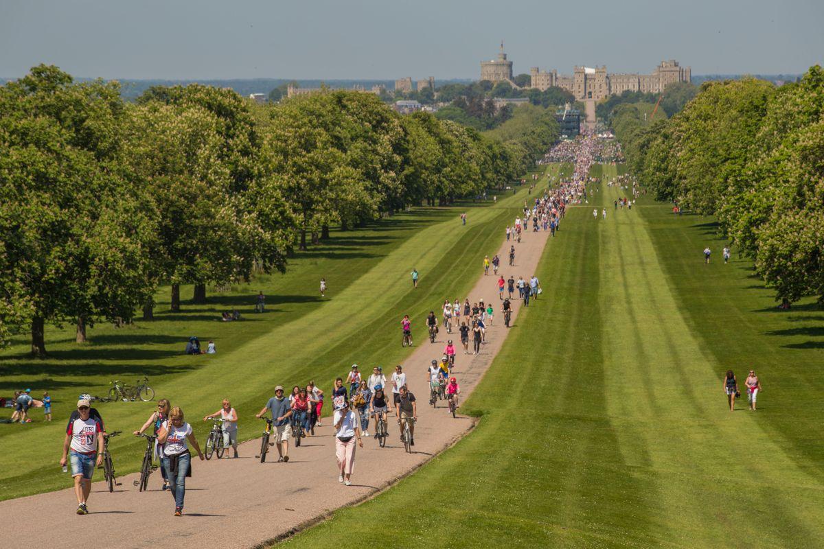 Crowds leaving Windsor