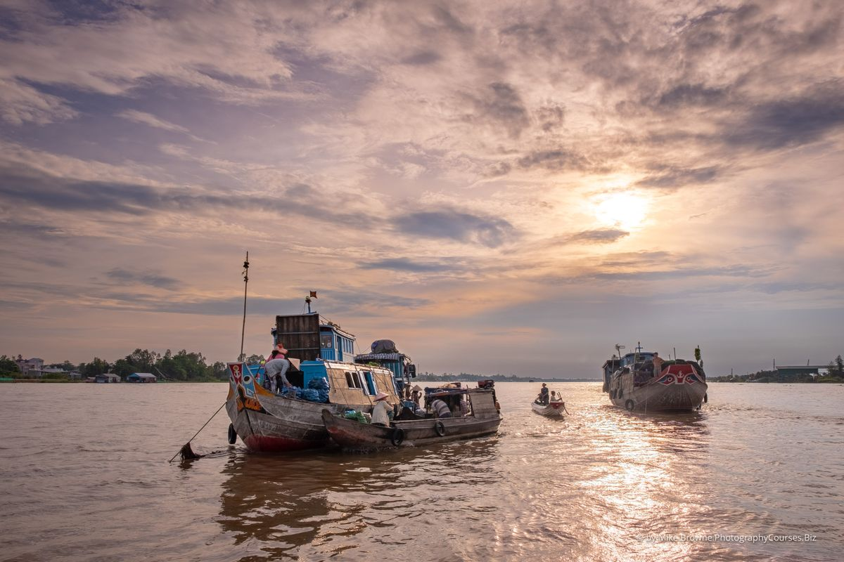 Sunrise - Chau Doc Floating Market 4