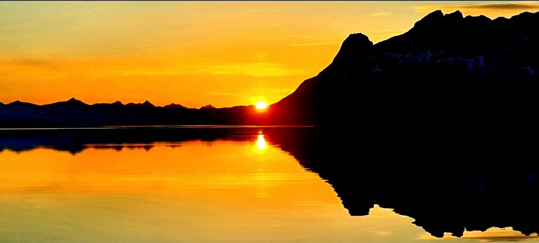 Mountain meet sea and sun