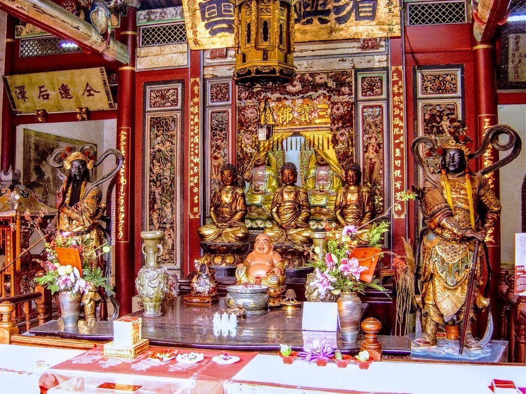Taiwanese shrine