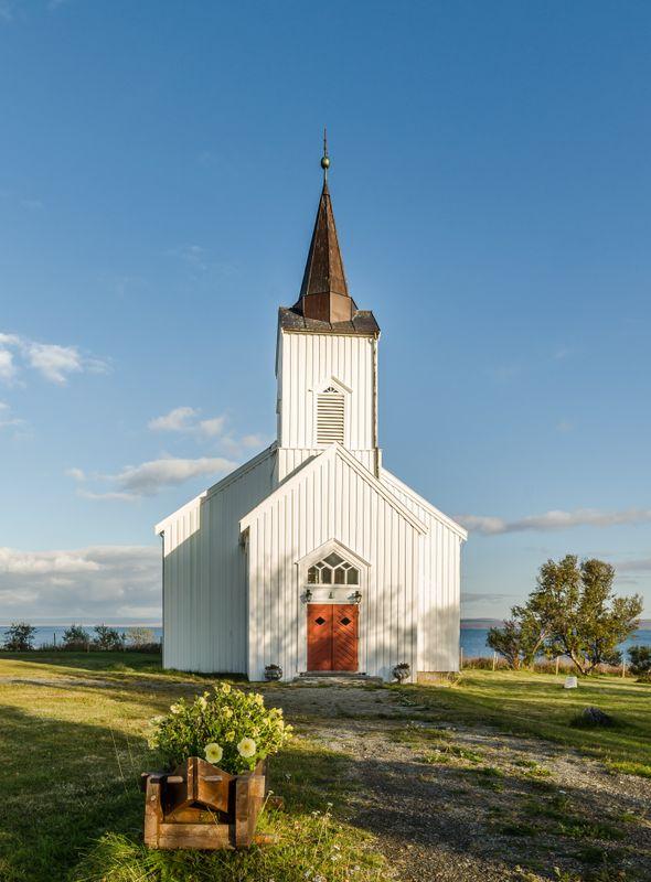 Kistrand church