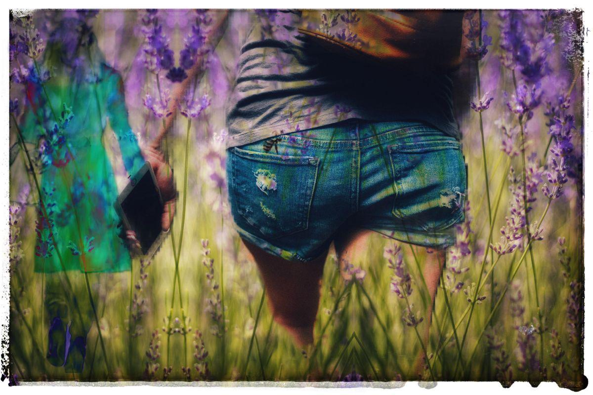 Girls_in_Flowers