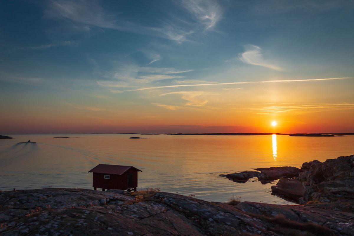 Sunset Hut V2