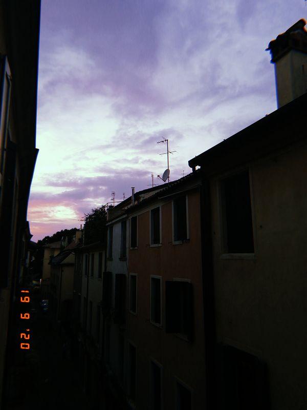 The view of the sunset from my room window - La visuale del tramonto dalla finestra di camera mia