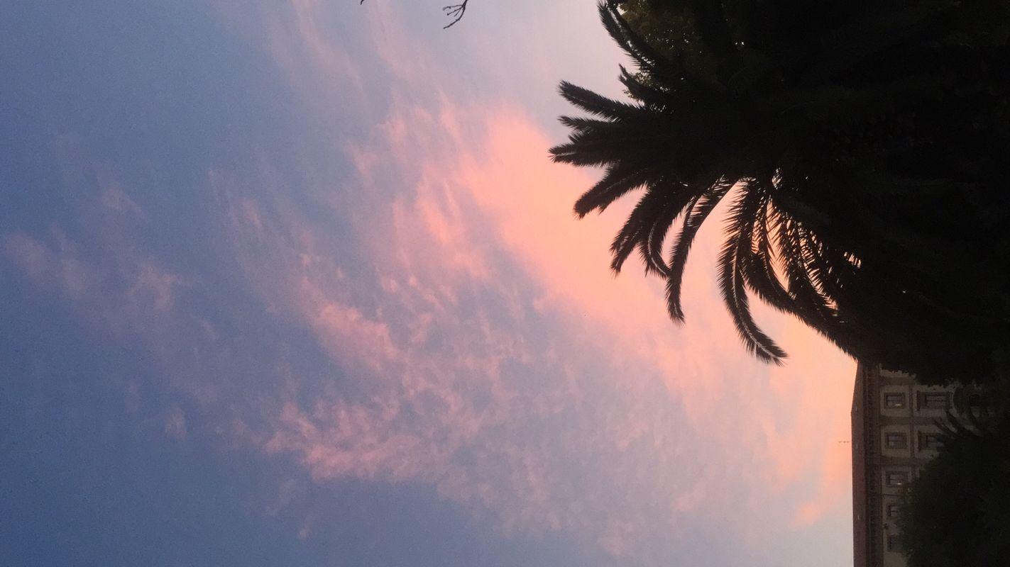 Cielo rosa nel centro di Ancona, nelle Marche -  Pink sky in the center of Ancona, in the Marche region