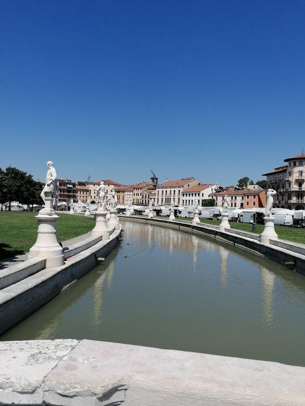 Le statue di Prato della Valle, a Padova
