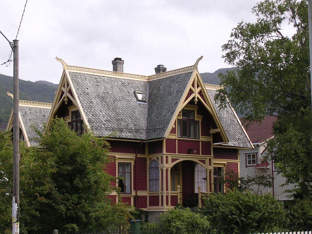 Old house in Nordfjordeid / Norway