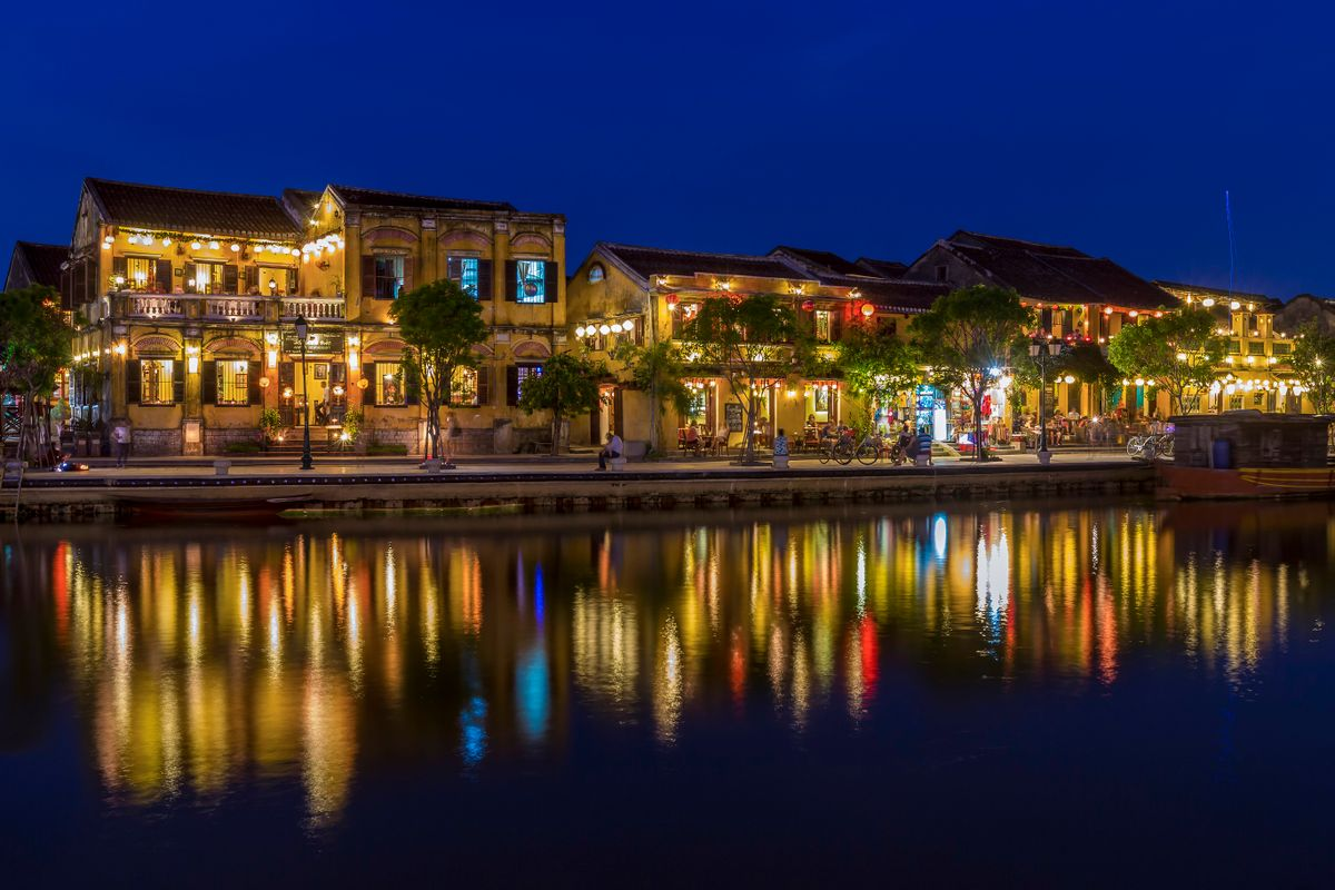 Hoian by night