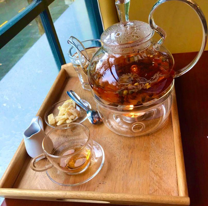 Beautiful Morning - Tea time