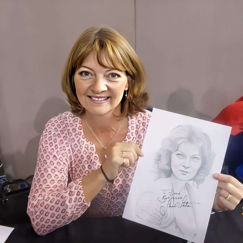 Sarah Sutton and signed drawing