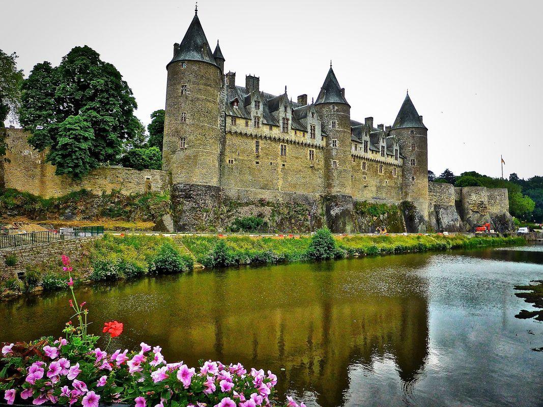 Castle gosselin