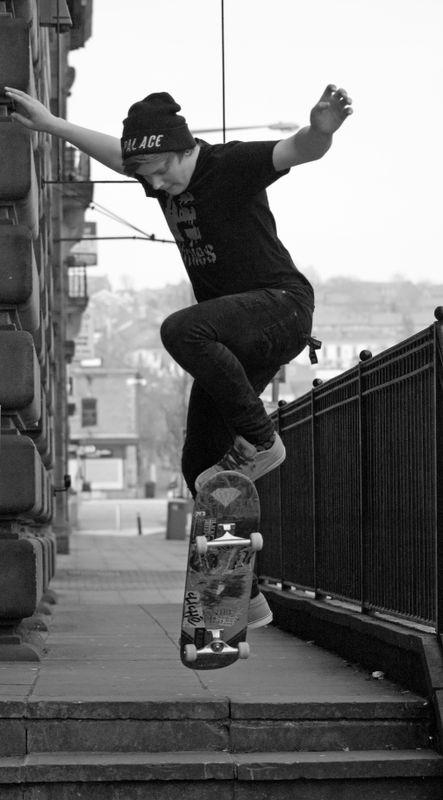 Skateboarder leap