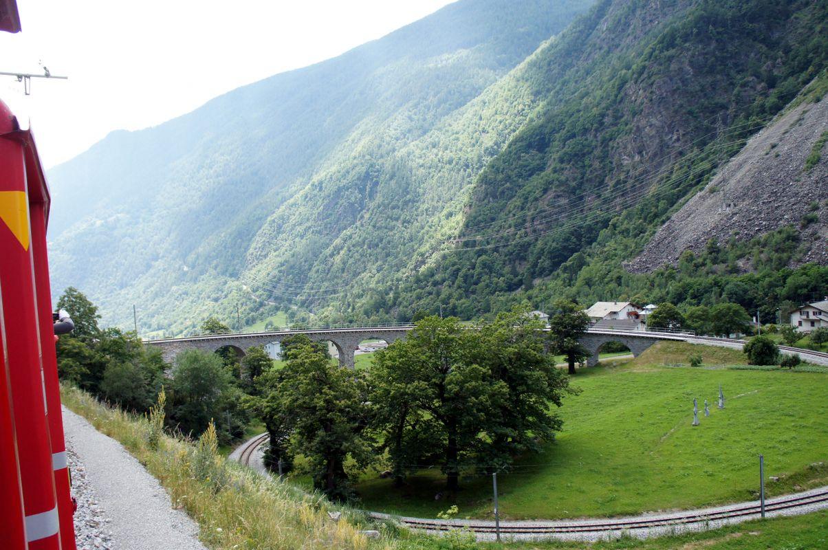 Das Kreis-Viadukt von Brusio in Graubünden