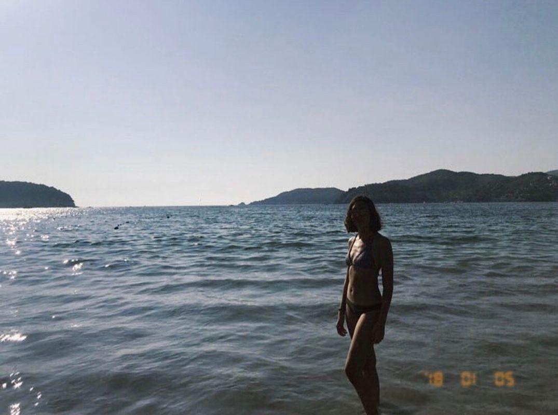 Girl In Acapulco