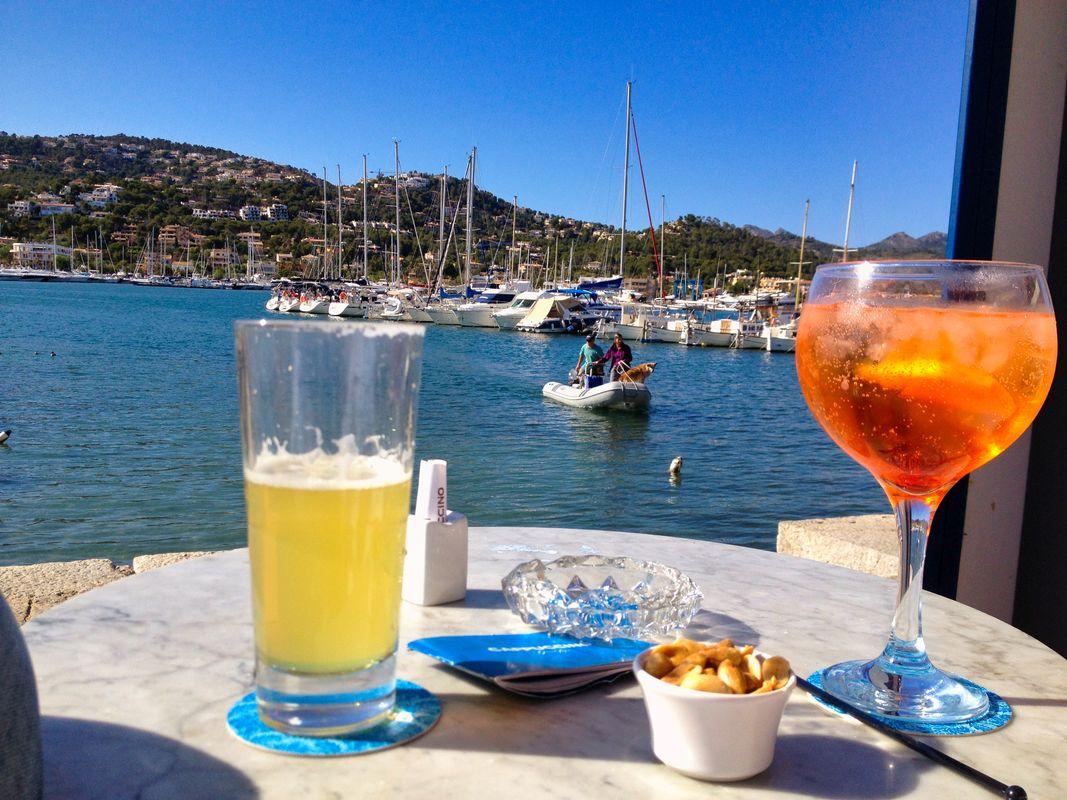 A little sundowner in the harbor of Port d'Andratx - Mallorca