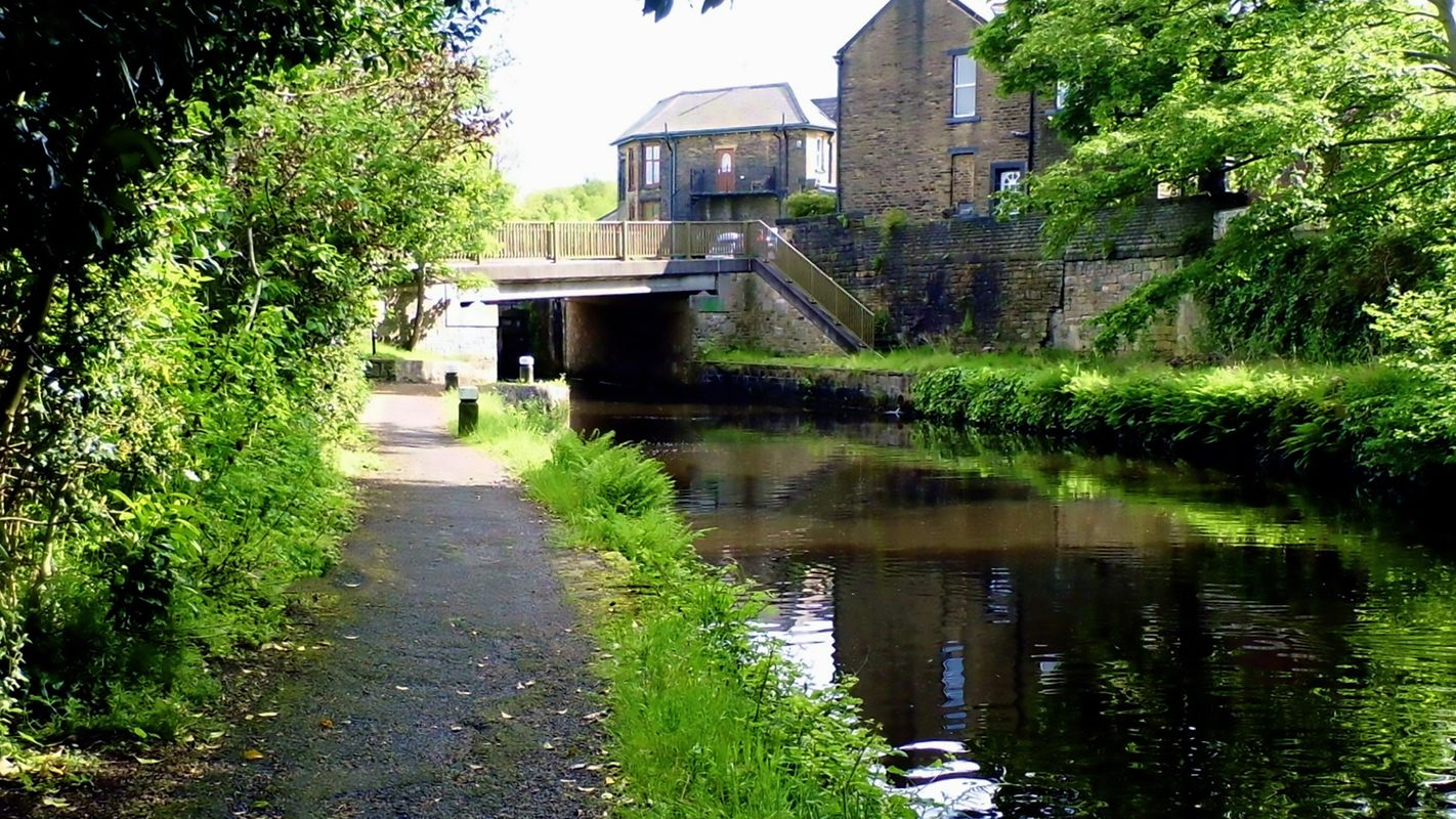 Bridge 48 over the Rochdale Canal