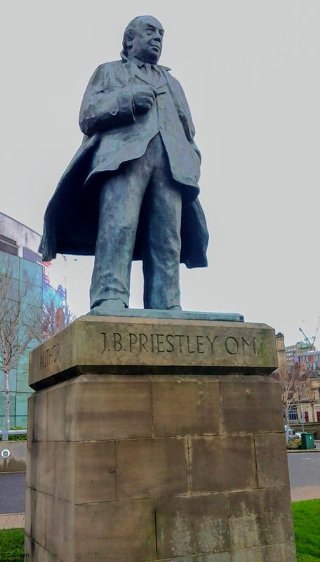 Statue of J.B Priestley, Bradford.