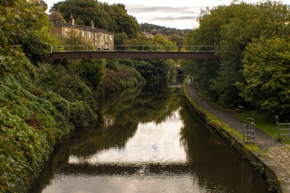 The Calder & Hebble from Chain Bridge to Walker Bridge.