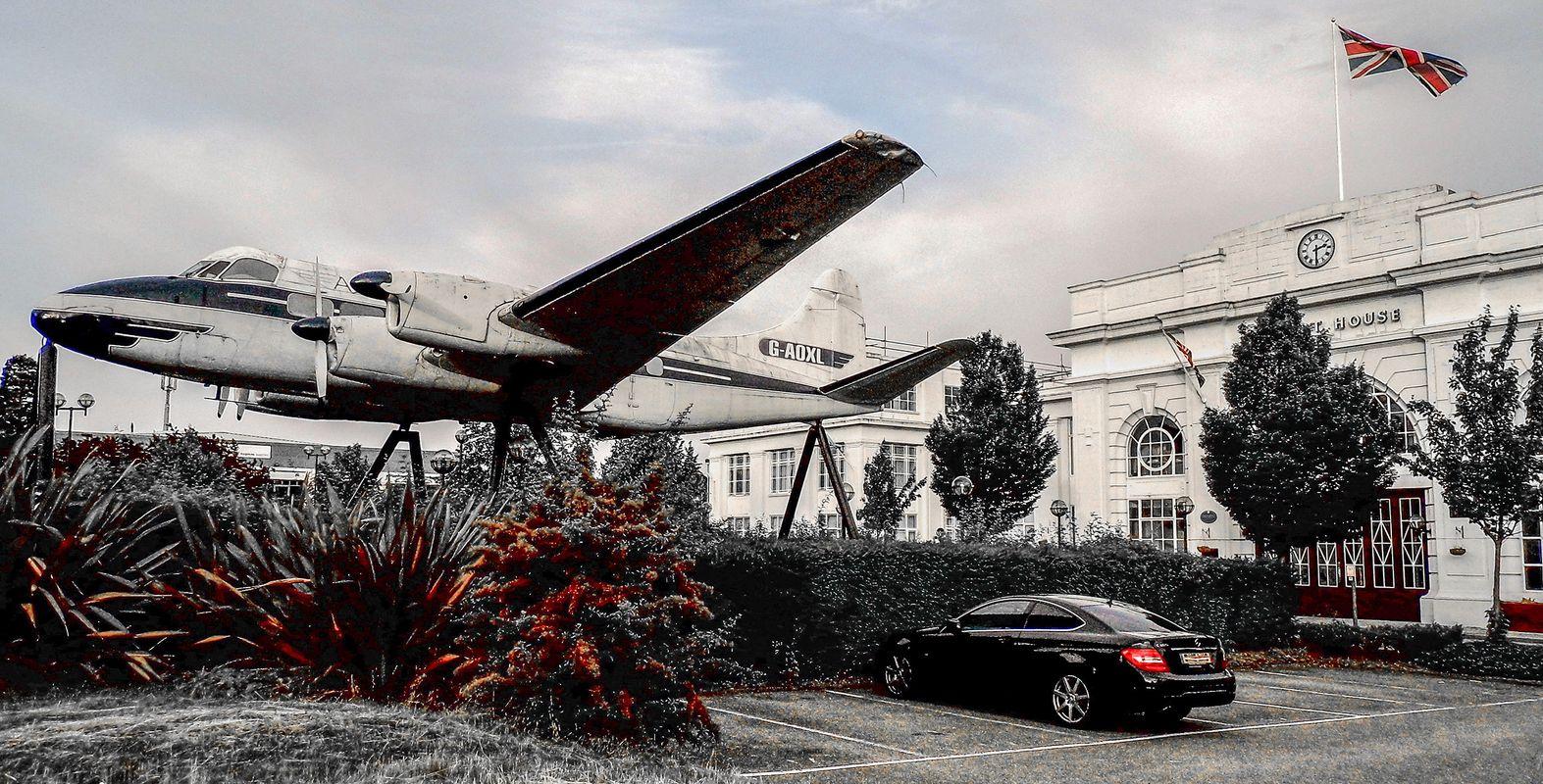 De Havilland Heron at Airport House.