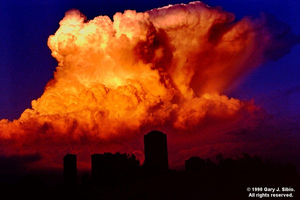 Storm Cloud Over the Lake [Cumulonimbus] (1990-06-26 0003_01)