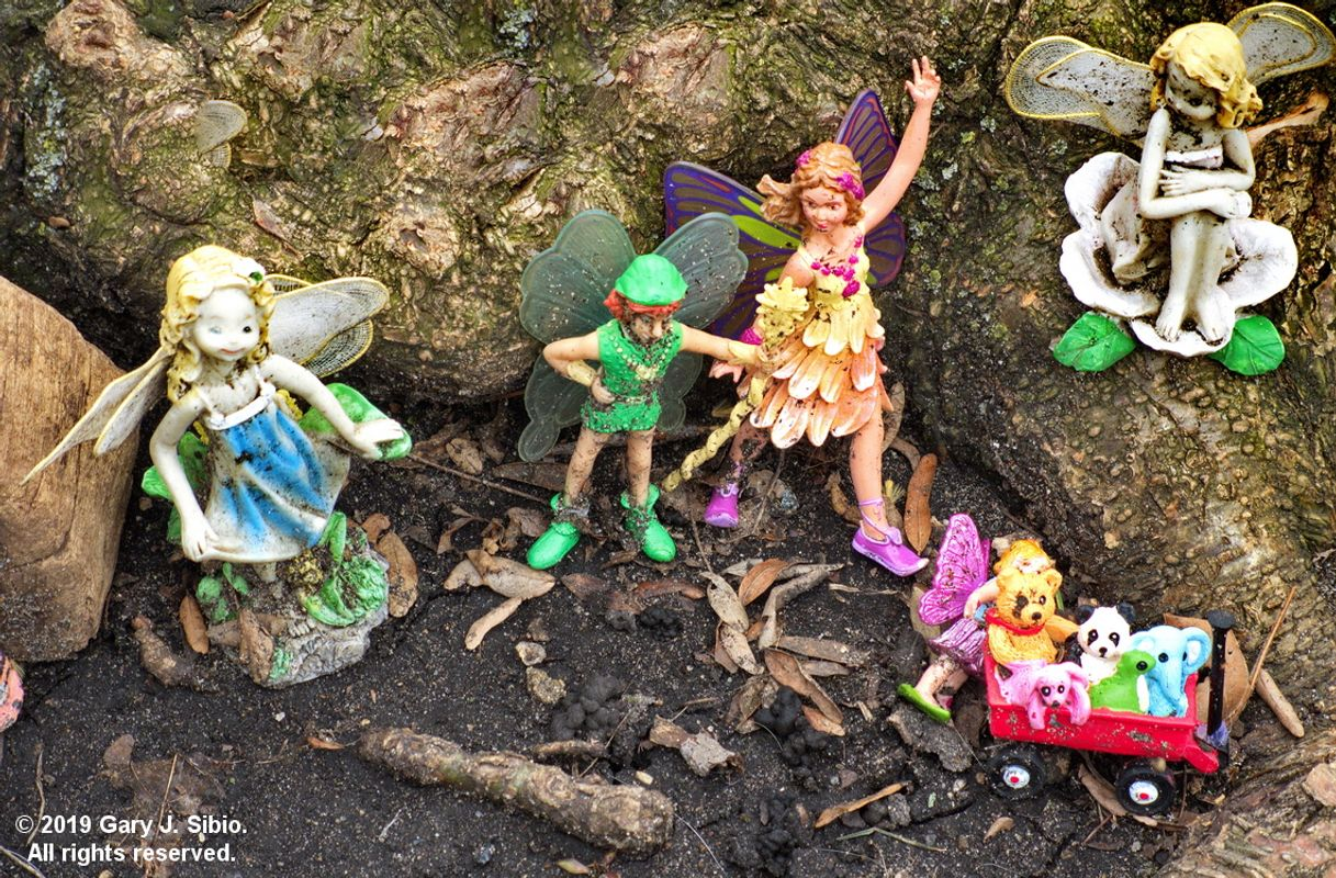 Toy Fairyland at the Base of a Tree 2 - Fairies and Elves (2019-04-02 15-16-15a)