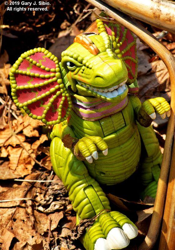 Toy Dragon in a Garden (2019-04-16 13-30-19a)